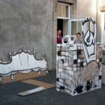 décors en cartons peints pour le Festival du Petit Théâtre de La Boissière de M. conçus et peints par le groupe de participants, acrylique