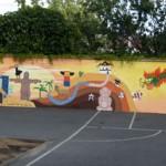 réalisation d'une fresque au cœur de l'école des Acacias de La Boissière de M. conçue et peinte par les membres de l'atelier,24m* 1,85m, juin 2011